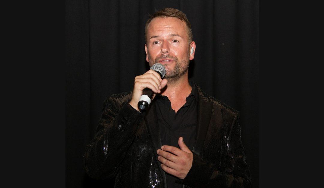 Lee Baxter gibt Live-Konzert in Weinheim